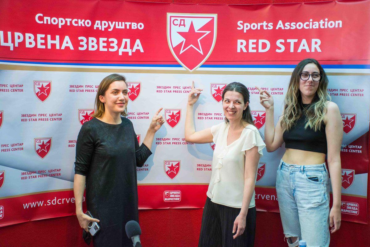 mlade nade ženskog šaha: Vesnu Đurić, Mariju Stanimirović i Iskru Jurišić